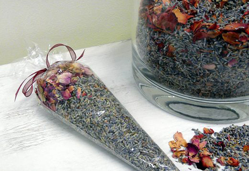 Natural organic anti-moth pot pourri